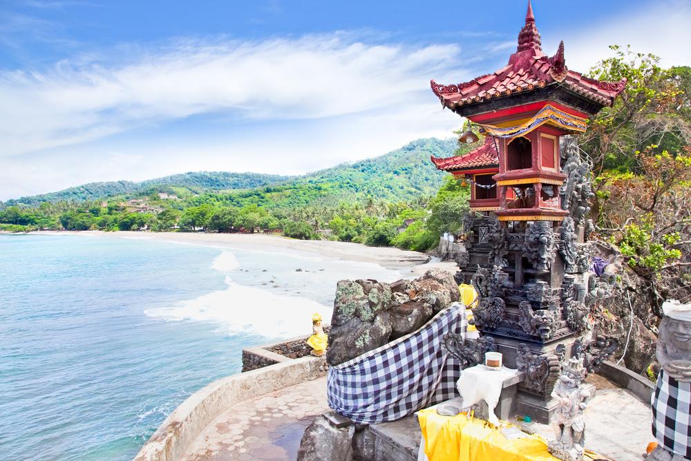 Pura-Batu-Bolong-Lombok